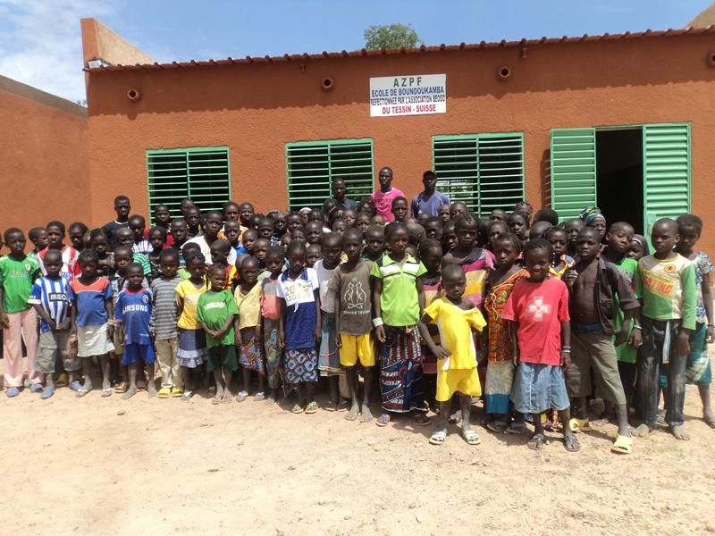 Un pozzo per la scuola di Boundoukamba